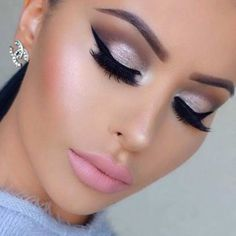 Silver Eye Makeup Look with Pink Lips