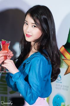 IU Korea Fashion, Pop Fashion, Scarlet Heart Ryeo Cast, Cute Korean, Loose Curls, Korean Outfits, Korean Actresses, Korean Singer, Most Beautiful Women