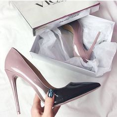 @wmmadeline #vices #vicestag #vicesshoes #vicesgirl #heels #ombre #classy #chic #sexy #polishgirl #polishblogger #fashionista #fallinlove #repost #withlove