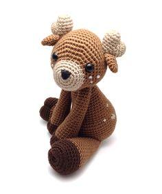 Toru the deer is part of our new book Zoomigurumi 4.Pattern by Auroragurumi.