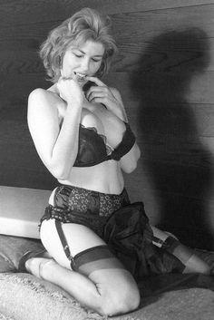 Rare Vintage Pics: Old Retro Nylon Porn Pictures
