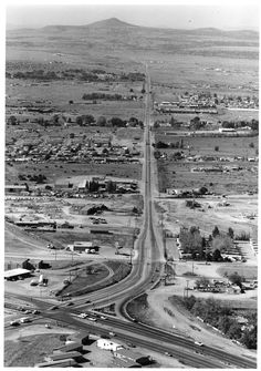 Vein of Airport Road, Santa Fe, New Mexico - Palace of the Governors Photo Archives Collection Gallup New Mexico, New Mexico Usa, Santa Fe Trail, Santa Fe Nm, Old Pictures, Old Photos, Johnny Tapia, New Mexico History, Old Route 66