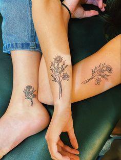 Friend Tattoos Small, Small Matching Tattoos, Matching Best Friend Tattoos, Small Tattoos, Matching Tattoos For Sisters, Cute Best Friend Tattoos, Dainty Tattoos, Unique Tattoos, Cute Tattoos