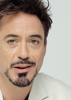 Robert Downey Jr. (via tumblr)                                                                                                                                                                                 More
