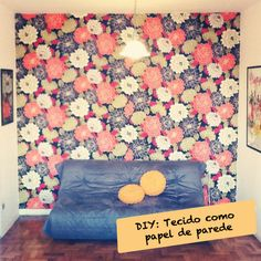 DIY: tecido como papel de parede >>> www.decoracaoblog.com.br