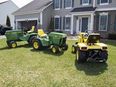 Family photo.John Deere garden tractors Small Tractors, Compact Tractors, Old Tractors, Lawn Tractors, John Deere Equipment, Lawn Equipment, Outdoor Power Equipment, John Deere Garden Tractors, Lawn Mower Tractor