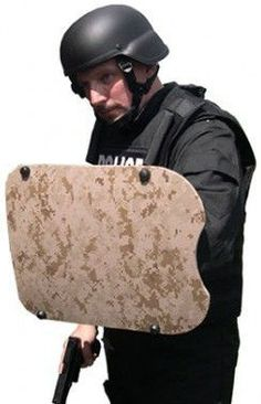 The United Shield NIJ Level IIIA Military Shield is a highly maneuverable micra shield that has been designed to be the ultimate shield for law enforcement professionals.