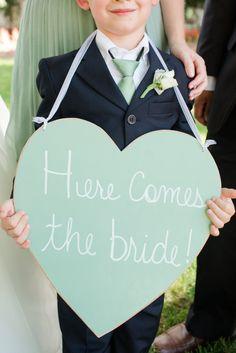 Adorable #cartel de #boda para los pequeños #niños anuncio de #boda, no evites dar protagonismo a los mas pequeños!!nos encantan en @innovias!