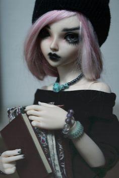 Artsy art doll