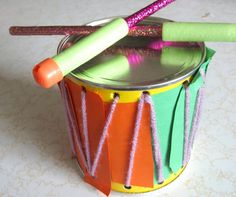 crafty couple: How to Make a Drum/Musical Instrument Set for Kids Drum Musical Instrument, Instrument Craft, Musical Instruments, Green Crafts For Kids, Diy For Kids, Homemade Drum, Drums For Kids, Projects For Kids, Diy Projects