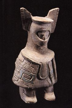 Una de las tantas figuras de cerámica encontradas en enterramientos prehispánicos en Jaina (la isla Maya de los muertos) que se encuentra cerca de la costa del estado mexicano actual de Campeche, antigua ciudad de una floreciente Civilización Maya.