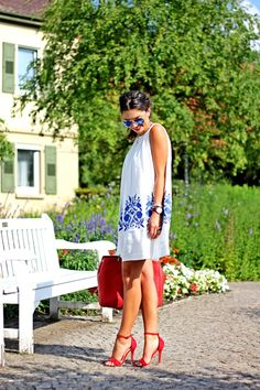 outfit-chicwish-dress-missguided-sandals-prada-bag-ray-ban-mirror-sunglasses-21