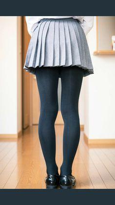 Sheer Tights, Black Tights, Stockings And Suspenders, School Looks, Great Legs, Pleated Skirt, Asian Girl, Ballet Skirt, Skirts