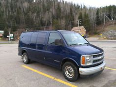 Van aménagée Chevrolet Express 2500 idéale pour road trip