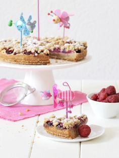 Schneller Streuselkuchen mit Himbeeren Cereal, Breakfast, Food, Smooth, Raspberries, Food Food, Rezepte, Meal, Essen