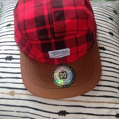 Plaid and faux leather brim cap Worn a few times. Great condition Zara Accessories Hats