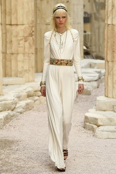 Chanel | Cruise 2018 | Look 63