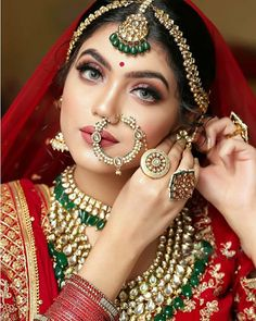 A guide on how to slay your bridal poses this wedding season!