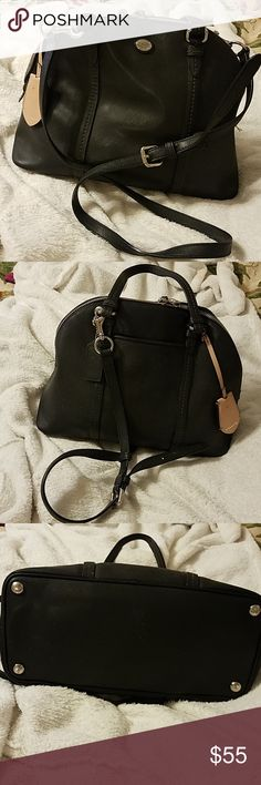 735a1d2767f67 Shop Women s Coach Black size OS Crossbody Bags at a discounted price at  Poshmark. Description  clean
