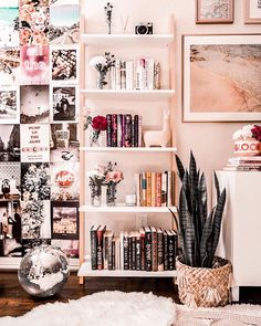 Wohnzimmer Regal Styling-Ideen Living room shelf styling ideas room This image. Living Room Shelves, New Living Room, Tumblr Rooms, Cute Room Decor, Room Goals, Aesthetic Room Decor, Dream Rooms, Bedroom Decor, Bedroom Ideas