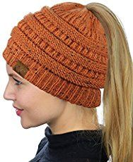 Make this crochet Katniss messy bun hat in just a couple of hours. The pattern is inspired by the main character Katniss of the Hunger Games.