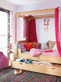 Explore ultimate comfort and functionality in your kid's bedroom by adding super cool trundle bed. Tune in and browse versatile trundle bed design ideas. Kids Bed Canopy, Kids Bunk Beds, Kids Daybed, Trundle Daybed, Girls Canopy, Daybed Ideas, Loft Spaces, Kid Spaces, Living Spaces
