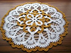 Hand crocheted new fantastic Holiday/Christmas doily free by DEMET,