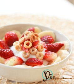 Post image for Simple and Healthy Breakfast – Greek Yogurt Parfait