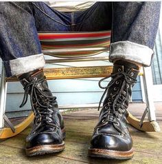 Red Wing Heritage Boots, Red Wing Boots, Logger Boots, American Casual, Boating Outfit, Komplette Outfits, Sneaker Boots, Casual Boots, Fashion Boots