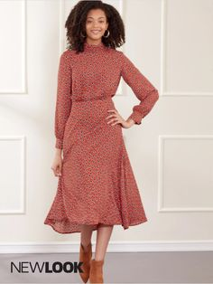 Misses' dresses with pleated neckband & sleeve variations. Gathers at bodice, waist flared skirt with shaped waist seam.. | NewLook Patterns #newlookpatterns #sewingpatterns #dresspatterns #fallfashion #fallsewing #fashionsewing #womenssewingpatterns