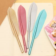 Canetas Penas https://pt.aliexpress.com/item/Beautiful-Feather-Pens-Ballpoint-Pen-Writing-For-School-Supplies-Stationery-Cheap-Items-Cute-Kawaii-Pen-stationery/32750509336.html?spm=2114.13010608.0.0.0ezMRH