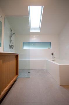Modern Bathroom | Bathroom Skylight | Seamless Tub | Soaking Tub | Designed by bright designlab | Built by Hammer & Hand