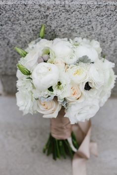 garden rose, peony, lisianthus, anenome white wedding bouquet | floral design by erin