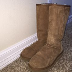 d75d63ab3b9 7 Best Chestnut uggs images | Casual outfits, Cute outfits, Ugg boots