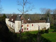 Château de Glane ►► http://www.frenchchateau.net/chateaux-of-aquitaine/chateau-de-glane.html?i=p
