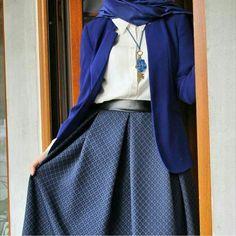 Image about girl in hijabi~ by ~star~ on We Heart It Arab Fashion, Islamic Fashion, Mod Fashion, Fashion Images, Muslim Fashion, Womens Fashion, Sporty Fashion, Street Fashion, Girl Fashion
