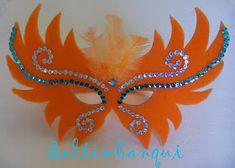SALTIMBANQUI COTILLÓN EN CORDOBA: Accesorios Foam Crafts, Craft Stick Crafts, Crafts For Kids, Paper Crafts, Mardi Gras Decorations, Carnival Masks, Masquerade Party, Mask Party, Diy Mask