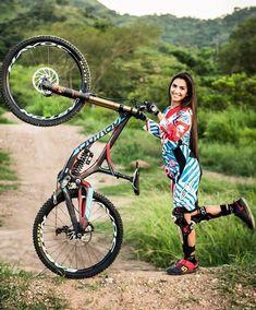 Порно девочка на велосипеде