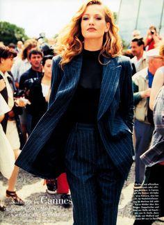 Karen Mulder, Carla Bruni & Nina Brosh by Arthur Elgort by Vogue Germany August 1994 Grunge Look, 90s Grunge, Grunge Style, Grunge Outfits, Classy Outfits, 90s Style, Soft Grunge, Suit Fashion, Fashion Outfits