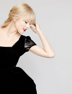 Find images and videos about beautiful, red and Taylor Swift on We Heart It - the app to get lost in what you love. Taylor Swift Fearless, Taylor Alison Swift, One & Only, Chrissy Costanza, Celebs, Celebrities, Selena Gomez, Beautiful People, Actresses