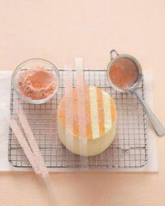 Easy Cake Decorating: 4 Ideas for a Pretty Party Dessert Easy Cake Decorating, Cake Decorating Tutorials, Decorating Ideas, Dessert Party, Party Desserts, Wedding Cake Recipe Martha Stewart, Glitter Cake, Glitter Dust, Edible Glitter