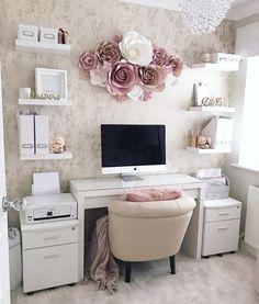 Chic Office Decor, Cozy Home Office, Home Office Space, Home Office Design, Feminine Office Decor, Office Inspo, At Home Office Ideas, Creative Office Decor, Work Desk Decor