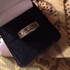 Size 6 sterling silver ring With beautiful design all around this size 6 is awesome Vintage Jewelry Rings
