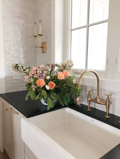 Five Things Friday — Light & Dwell Home Interior, Kitchen Interior, Kitchen Decor, Kitchen Design, Interior Design, Home Renovation, Home Remodeling, Country Look, Home Luxury