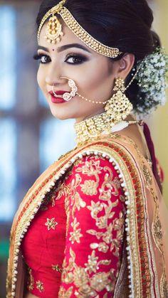bridal sets & bridesmaid jewelry sets – a complete bridal look Bridal Makeup Looks, Indian Bridal Makeup, Bridal Looks, Wedding Ring Photography, Photography Ideas, Photography Couples, Indian Braids, Indian Wedding Poses, Bridal Makeover