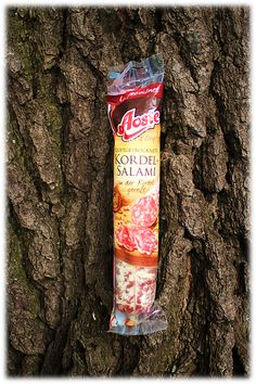 Klassische Genussmoment mit der Aoste Kordelsalami, leckere luftgetrocknete und herzhafte Salami! Zum Reinbeißen: http://www.brandnooz.de/products/aoste-kordelsalami