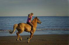 """Without saddle and bare feet"" by Iva Aviana https://gurushots.com/iva.aviana/photos?tc=2f714573798c4445d3810149174a9e47"
