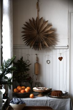 10 The Most Beautiful Christmas Decorating Ideas Homechristmas decoration ideas Christmas Feeling, Merry Little Christmas, Cozy Christmas, Scandinavian Christmas, All Things Christmas, Simple Christmas, Hygge Christmas, Beautiful Christmas, Christmas Crafts