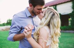 Montgomery TX Engagement : Olde Dobbin Station : Summer + Blake » Ashley Gillen Photography