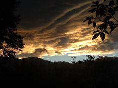 Atardecer en #Armenia #Quindio #Colombia @Directorio Turístico